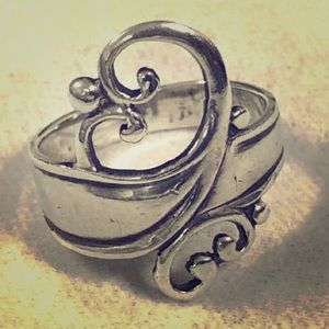 Vintage Sterling Silver Scroll Heart Ring 925 Sz 6